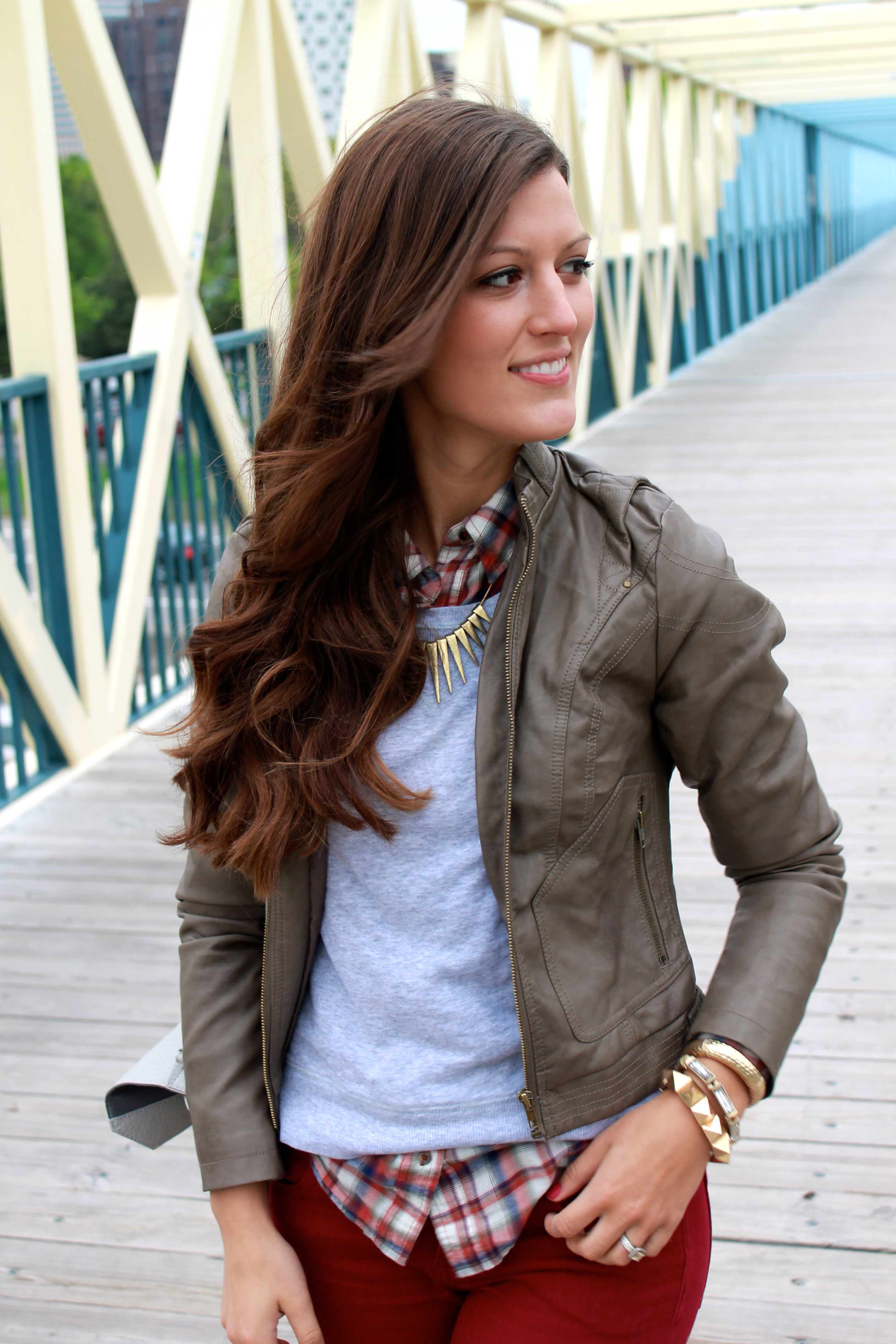 Chic Comfort: Sweatshirt & Color Fusion